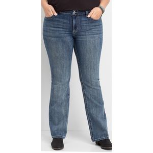 NWT Maurices Mid Rise Semi Boot Cut Jeans - 10